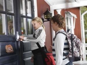 Verisure para protegerte y 10 consejos de seguridad para tu tranquilidad mientras los niños estén solos en casa