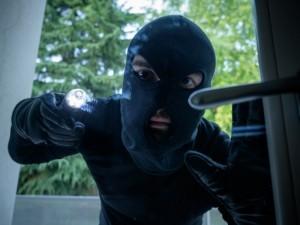 ¿Por qué un ladrón robaría en tu casa?